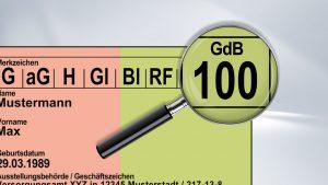 Lupe vergrößert den Grad der Behinderung (GdB) auf dem Schwerbehindertenausweis